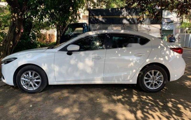 Bán Mazda 3 1.5L đời 2018, màu trắng, xe nữ sử dụng0