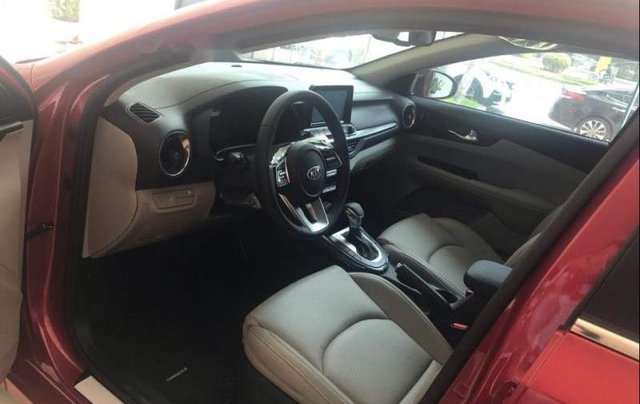 Bán ô tô Kia Cerato MT đời 2019, màu đỏ, 559tr3