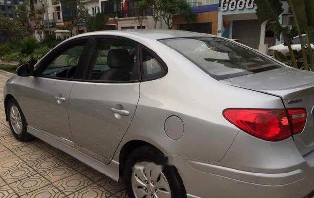 Bán ô tô Hyundai Avante MT sản xuất năm 2015, màu bạc, xe đẹp1