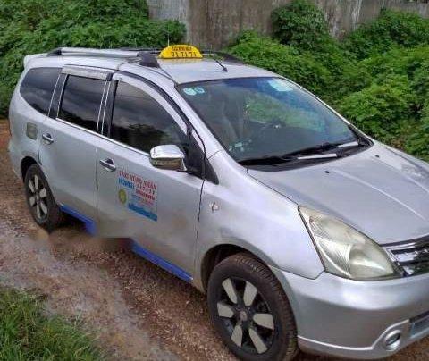Cần bán gấp Nissan Grand Livina 2012, xe nhập, xe đang kinh doanh dịch vụ taxi4