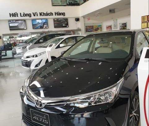 Cần bán xe Toyota Corolla Altis đời 2019 giá tốt0