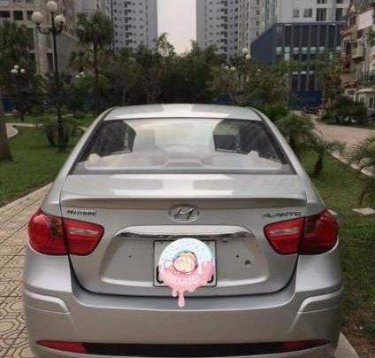Bán ô tô Hyundai Avante MT sản xuất năm 2015, màu bạc, xe đẹp2