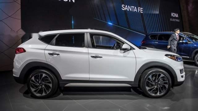 Bán xe Hyundai Tucson 2019, màu trắng, mới hoàn toàn2