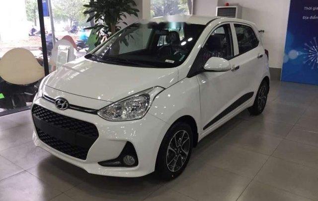 Cần bán Hyundai Grand i10 đời 2019, màu trắng, mới 100%0