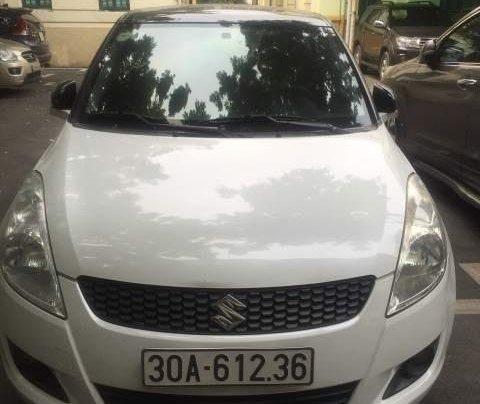 Chính chủ bán xe Suzuki Swift đời 2015, màu trắng0