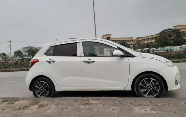 Bán Hyundai Grand i10 năm 2017, màu trắng, chính chủ2