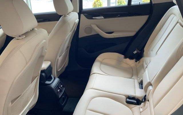 Bán BMW X1 sDrive18i năm sản xuất 2018, màu nâu, xe nhập3