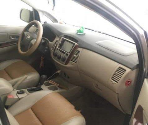 Bán Toyota Innova đời 2012, màu bạc, xe còn rất đẹp, máy êm, gầm bệ chắc chắn1