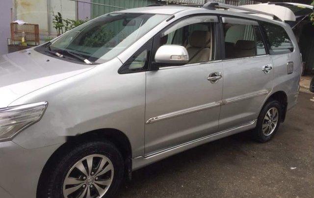 Cần bán gấp Toyota Innova 2.0E đời 2014, màu bạc, xe đẹp2