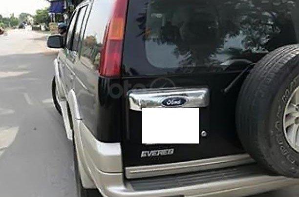 Bán lại xe Ford Everest đời 2005, màu đen, số sàn1