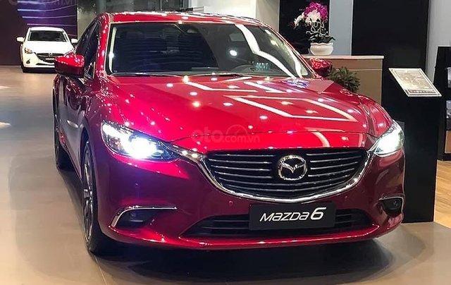 Bán xe Mazda 6 2.0L Premium 2019, màu đỏ0