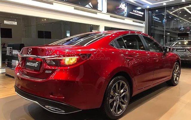 Bán xe Mazda 6 2.0L Premium 2019, màu đỏ1