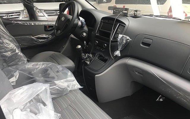 Bán Hyundai Grand Starex 2019, màu trắng, nhập khẩu4