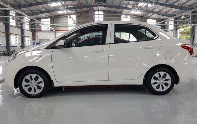 Cần bán Hyundai Grand i10 Sedan 1.2MT sản xuất 2019, màu trắng, nhập khẩu CKD, liên hệ: 09059769502