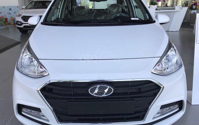 Cần bán Hyundai Grand i10 Sedan 1.2MT sản xuất 2019, màu trắng, nhập khẩu CKD, liên hệ: 09059769503