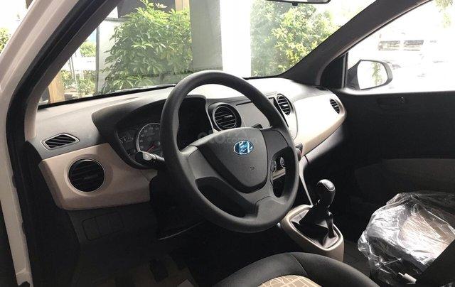 Cần bán Hyundai Grand i10 Sedan 1.2MT sản xuất 2019, màu trắng, nhập khẩu CKD, liên hệ: 09059769504