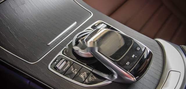 Bán Mercedes C300 AMG năm sản xuất 2019, màu đỏ, mới tinh 100% 5