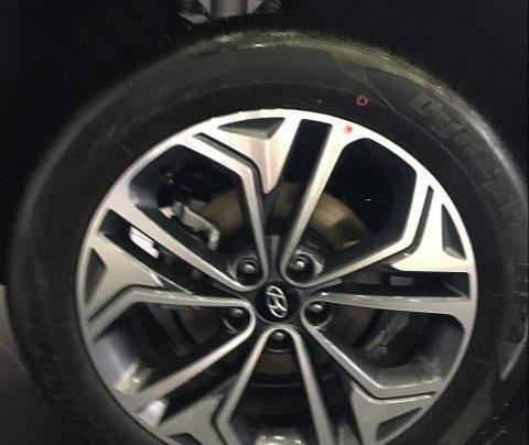 Bán ô tô Hyundai Santa Fe 2019, màu đen1