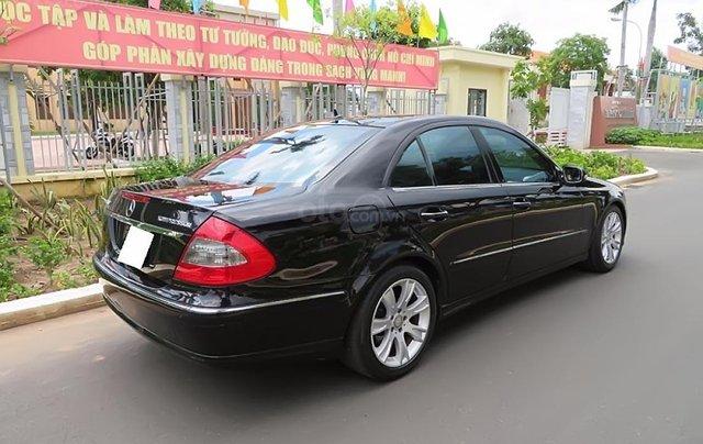 Bán Mercedes E200 năm 2009, màu đen, giá chỉ 395 triệu1