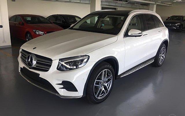 Bán xe Mercedes GLC 300 4Matic đời 2019, màu trắng0