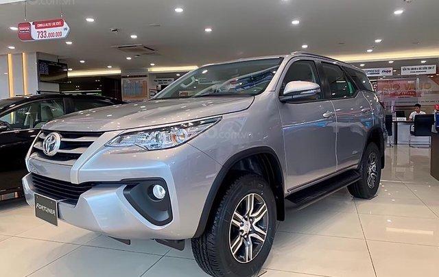 Bán xe Toyota Fortuner 2.4L năm 2019, màu bạc0