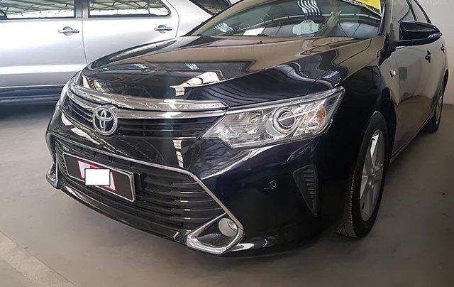 Bán Toyota Camry 2.5Q năm 2017, màu đen1