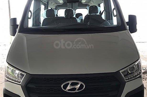 Bán xe Hyundai Solati sản xuất năm 2019, màu bạc, 990 triệu0