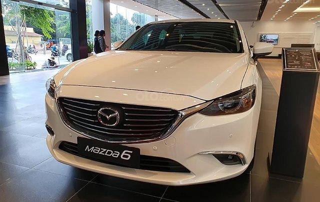 Bán Mazda 6 2.0L Premium 2019, màu trắng, 873 triệu0