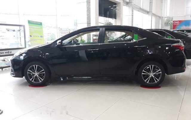 Bán xe Toyota Corolla Altis năm 2019, tặng ngay gói khuyến mãi hè2