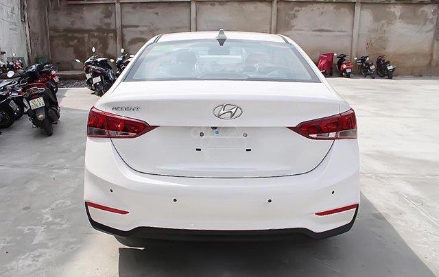 Cần bán xe Hyundai Accent 1.4 MT Base đời 2019, màu trắng1