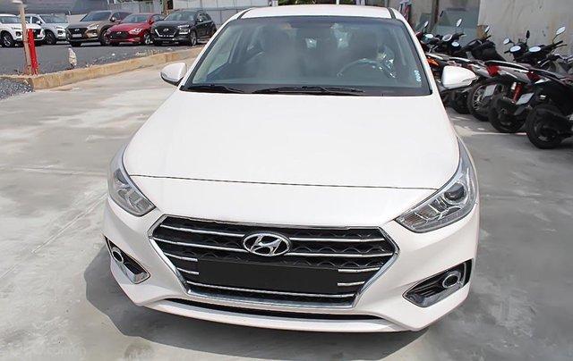 Cần bán xe Hyundai Accent 1.4 MT Base đời 2019, màu trắng4