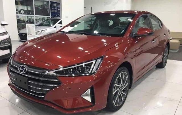 Bán Hyundai Elantra 2.0 năm 2019, màu đỏ0