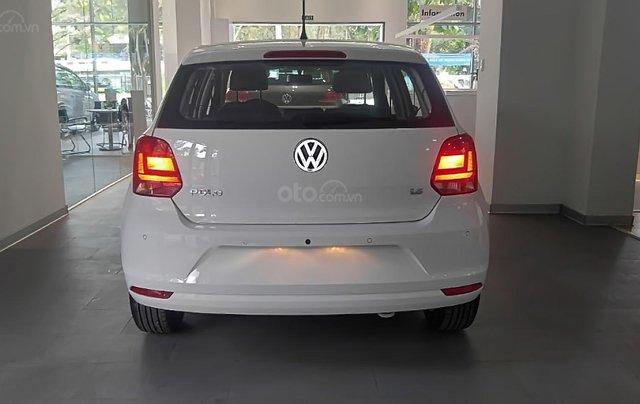 Bán xe Volkswagen Polo 1.6 AT 2016, màu trắng, nhập khẩu 1