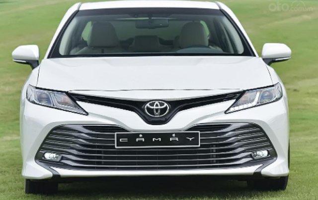 Cần bán Toyota Camry D năm sản xuất 2019, màu trắng, nhập khẩu Thái Lan1