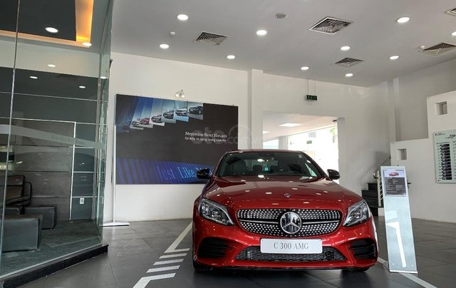 Cần bán Mercedes đời 2019, màu đỏ0