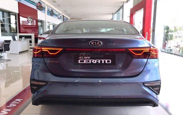 Kia Quảng Ninh bán gấp chiếc KIA Cerato Standard đời 2019, màu xanh lam, giá cực rẻ3
