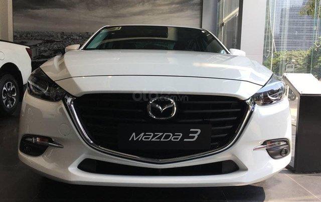 Giá xe Mazda 3 1.5 SD giảm sâu nhất Hà Nội tháng 9> 80tr, BHVC+ PK hỗ trợ đăng kí xe, LH 09648606342