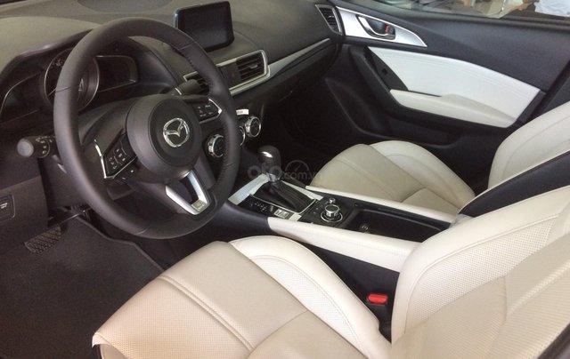 Giá xe Mazda 3 1.5 SD giảm sâu nhất Hà Nội tháng 9> 80tr, BHVC+ PK hỗ trợ đăng kí xe, LH 09648606344