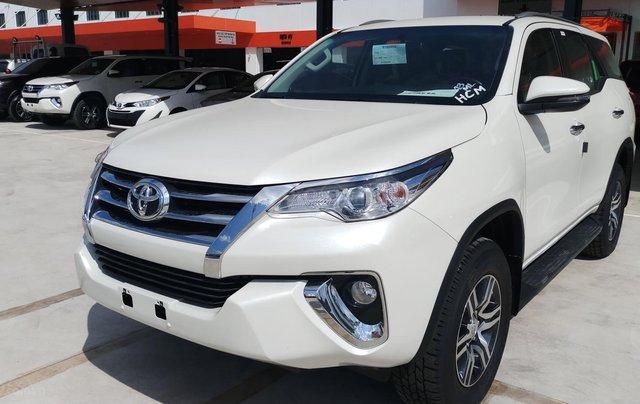 Bán xe Toyota Fortuner máy dầu tự động 1 cầu, mới 100% giao ngay đủ màu4