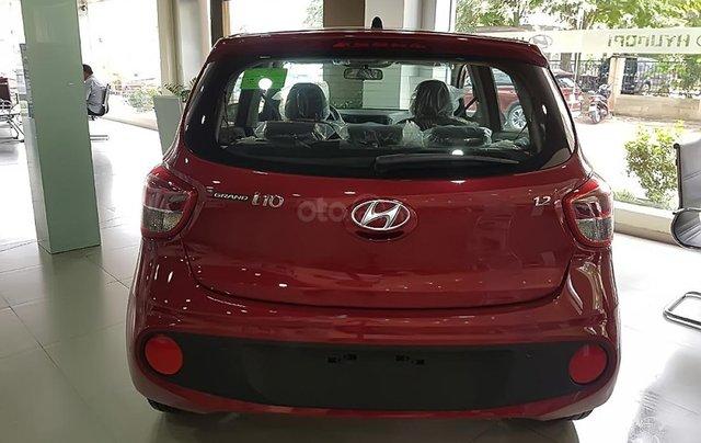 Bán Hyundai Grand i10 1.2 AT năm 2019, màu đỏ, giá 393tr3