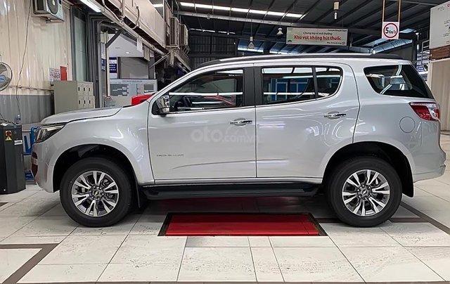 Bán xe Chevrolet Trailblazer 2.5 VGT đời 2019, màu bạc, nhập khẩu0