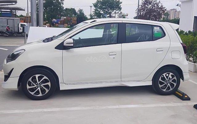 Bán Toyota Wish 1.2G AT đời 2019, màu trắng, nhập khẩu, giá 360tr0
