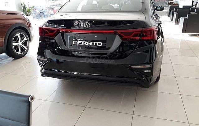 Cần bán xe Kia Cerato 1.6 AT đời 2018, màu đen1