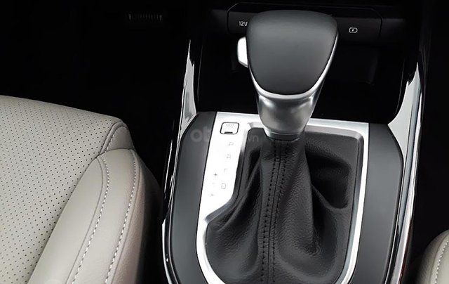 Cần bán xe Kia Cerato 1.6 AT đời 2018, màu đen4
