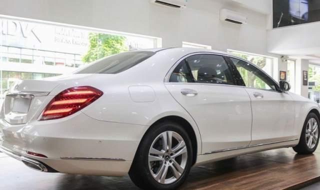 Bán xe Mercedes S450 sản xuất 2018, màu trắng0