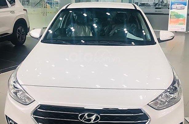 Cần bán Hyundai Accent 1.4 AT đời 2019, màu trắng 0