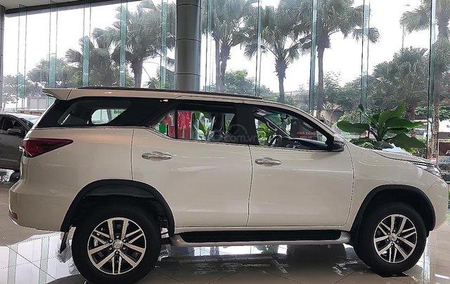 Bán xe Toyota Fortuner 2.8V 4x4 AT năm 2019, màu trắng1