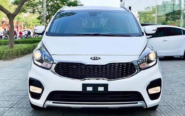 Bán xe Kia Rondo GAT 2019, màu trắng0