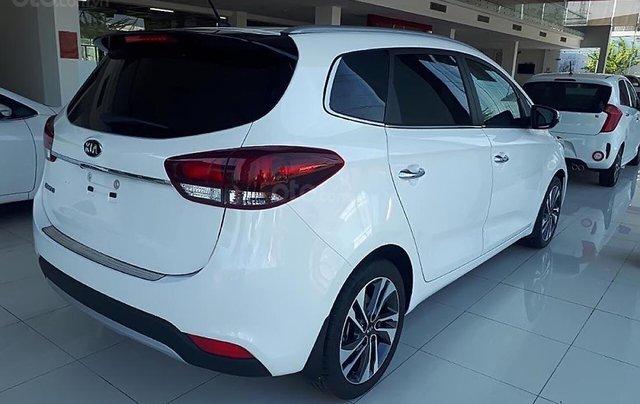 Bán xe Kia Rondo GAT 2019, màu trắng1