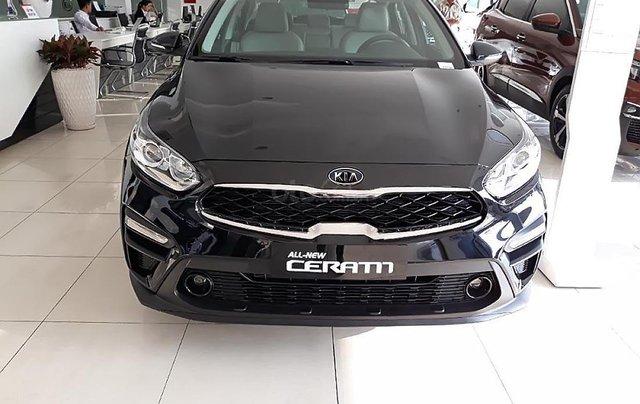Bán ô tô Kia Cerato 1.6 AT 2019, màu đen, giá tốt0